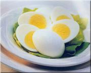 Hard boiled eggs- breakfast while going on for grain-free diet