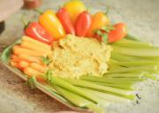 Simple Hummus with Paprika