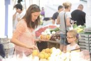 Jennifer Garner and daughter Violet at the farmers market.