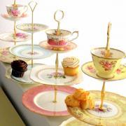 Lavish cake stand for Sultan of Oman