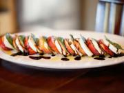 Peach Caprese Salad : How to Make It in 60 Seconds