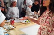 Jennfer Garner At The Frigidaire Kids Cooking Academy