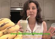 Fruit and Pistachio Anti Aging Vegan Smoothie