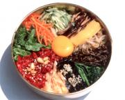 Bibimbap looks colorful with rice and seasoned vegetables