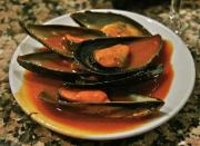 Sauteed Mussels in Tomato Wine Broth