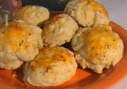 Southern Style Cheesy Buttermilk Biscuits