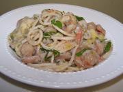 Easy Creamy Seafood Spaghetti