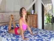 Bed Yoga : Morning Energizer