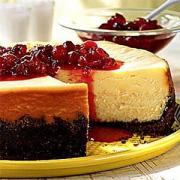 Cranberry cheese cake with fresh cranberries