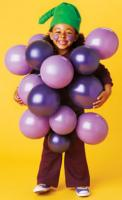 How to make a bunch of grapes for your child
