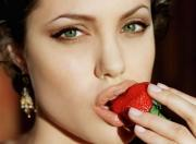 Celebrities like Angelina Jolie inspire people, especially women, to stay hungry in order to look beautiful and young.