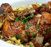 Chicken In Tomato Wine Sauce