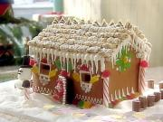 A cute little gingerbread house