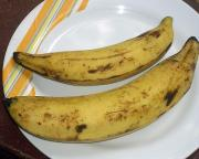 Fresh bananas help as a natural remedy for water retention