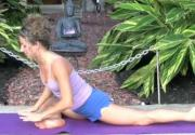 Shaker Yoga For Hips