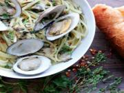 Linguine in White Clam Sauce