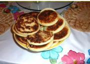 Doña Rossana cooks arepas