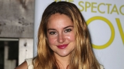 Shailene Woodley eats clay for glowing skin