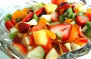 Tips on how to store fruit salad when you make it early.
