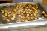 Baked Garlic Croutons