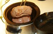 Cooking beef in slow cooker