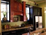 Mixing up red with lighter colors is kitchen painting ideas