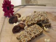 How to make Apricot and Cashew Nut Snack Bars #internationalwomen