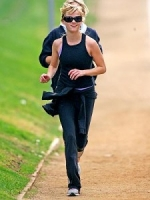 Reese Witherspoon likes jogging