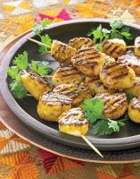 grilled-skewered-scallops
