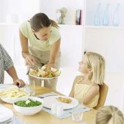 Learn easy tricks on how to teach table manners to kids
