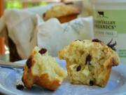 BIG BEAUTIFUL MUFFINS WITH CRANBERRIES AND WHITE CHOCOLATE