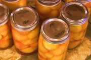 Perfectly Canning Peaches