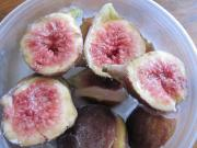 Freeze cooked figs for maintaining texture on thawing.