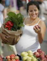 Make healthy food choices during pregnancy to have a healthy baby
