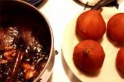 Pears In Syrah Wine