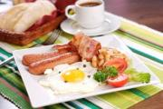 A heavy breakfast may wreck your diet and weight loss efforts.