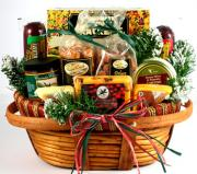 Gift cheese and cracker basket to your loved ones this festive season