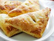 How to Eat Apple Turnovers