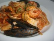 Fettuccine with Mussels, Shrimp and Parsley