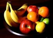 apples and bananas moisturize skin