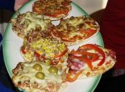 Little Christmas Pizzas