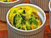 Crustless Broccoli-Cheddar Quiches