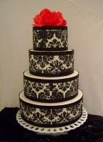 An authentic damask cake decoration