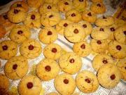 Yuletide Chocolate Chip Cookies