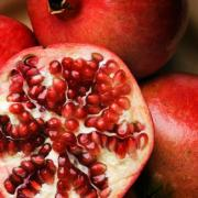 Pomegranate is a nutritious and delicious fruit, although difficult to eat
