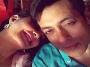 Salman Khan gets Cozy with Jacqueline Fernandez