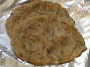 Instant Sooji Uttapam / Semolina Crepes (Indian Food)