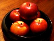 Eat apple regularly to enjoy the benefits of apple health facts.