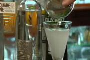 Tips to Make a Modern Martini with Olive Poppers