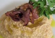Hummus in Red Onion